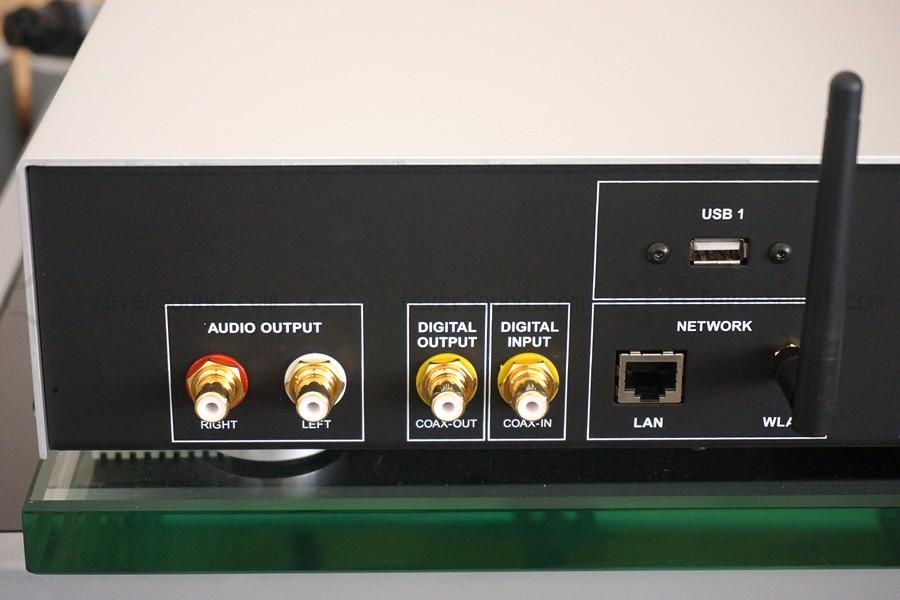 由於屬ES系列,故此只設RCA單端輸出。