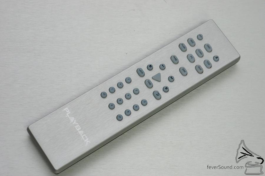 全鋁打造的遙控器。