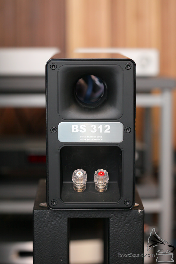 分音器改良了,喇叭線以單線接駁。