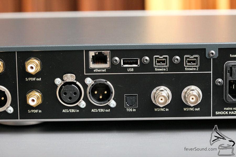 手上版本為火線版本,除了串流也可作電腦解碼使用。