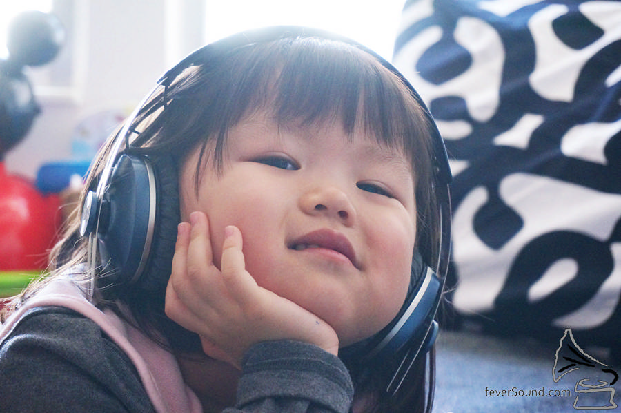 女兒需要 On Ear
