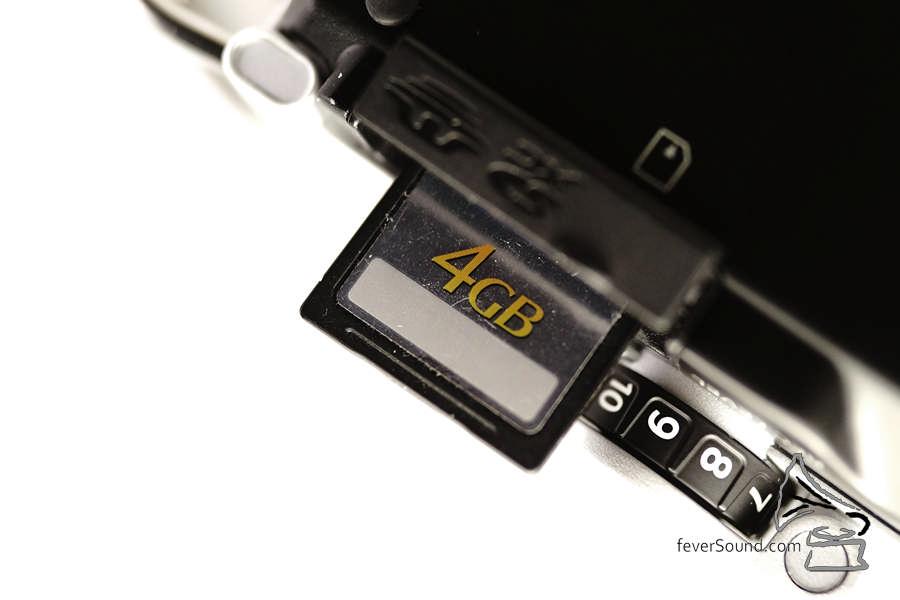 內置 32GB,SD 卡擴充容量最大支援 128GB。