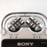 機頂兩支 15mm 大口徑咪可以調三個角度,X-Y position 收音角度是 90 度,適合錄小型音樂表演。