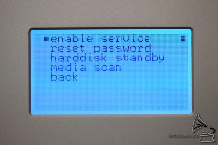 支援 RAID 6,5 隻硬碟中有兩隻出事也能保住寶貴資料。
