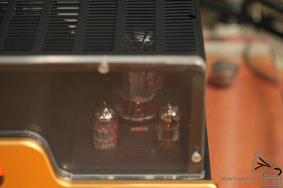 KT88 真空管單端放大。