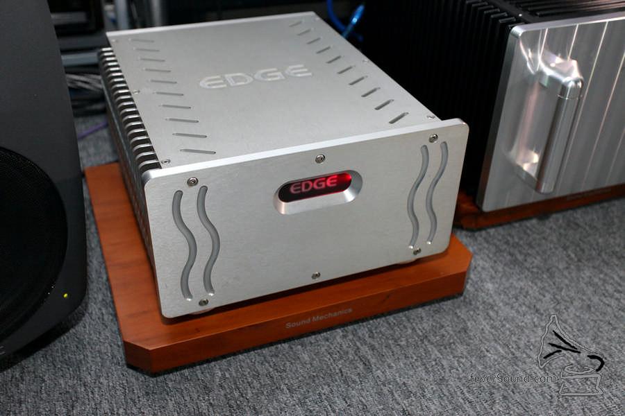 Edge 的 NL Signature 1.2 Amp,好力兼 Musical。