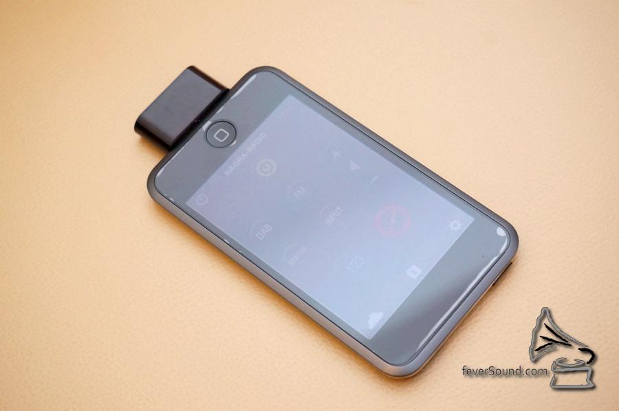 使用 iPod Touch + 專用 App 作紅外線遙控。
