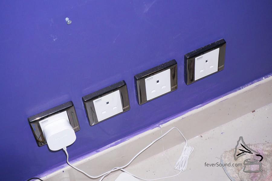 使用同為Isoclean的英式牆蘇插座。