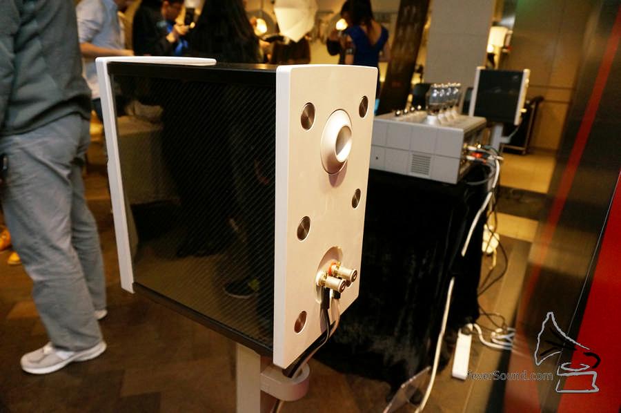 WBT 喇叭線插座,High End 標準裝備。