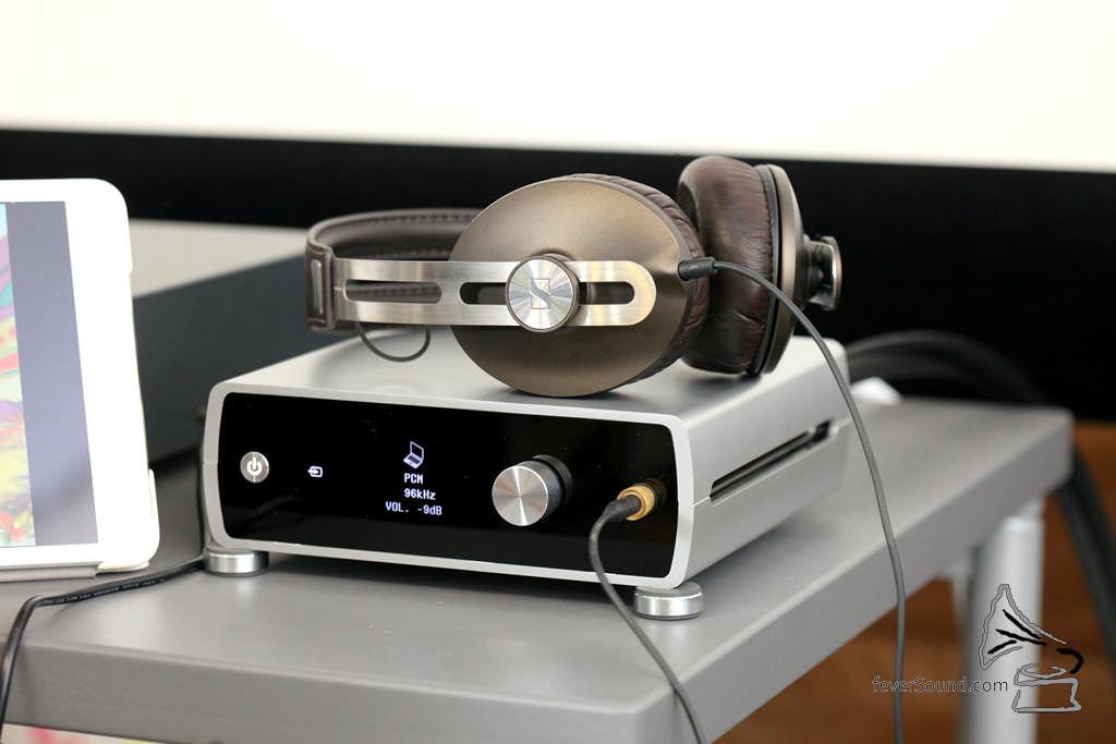 耳機輸出音量不算大,太難推的耳機不適合