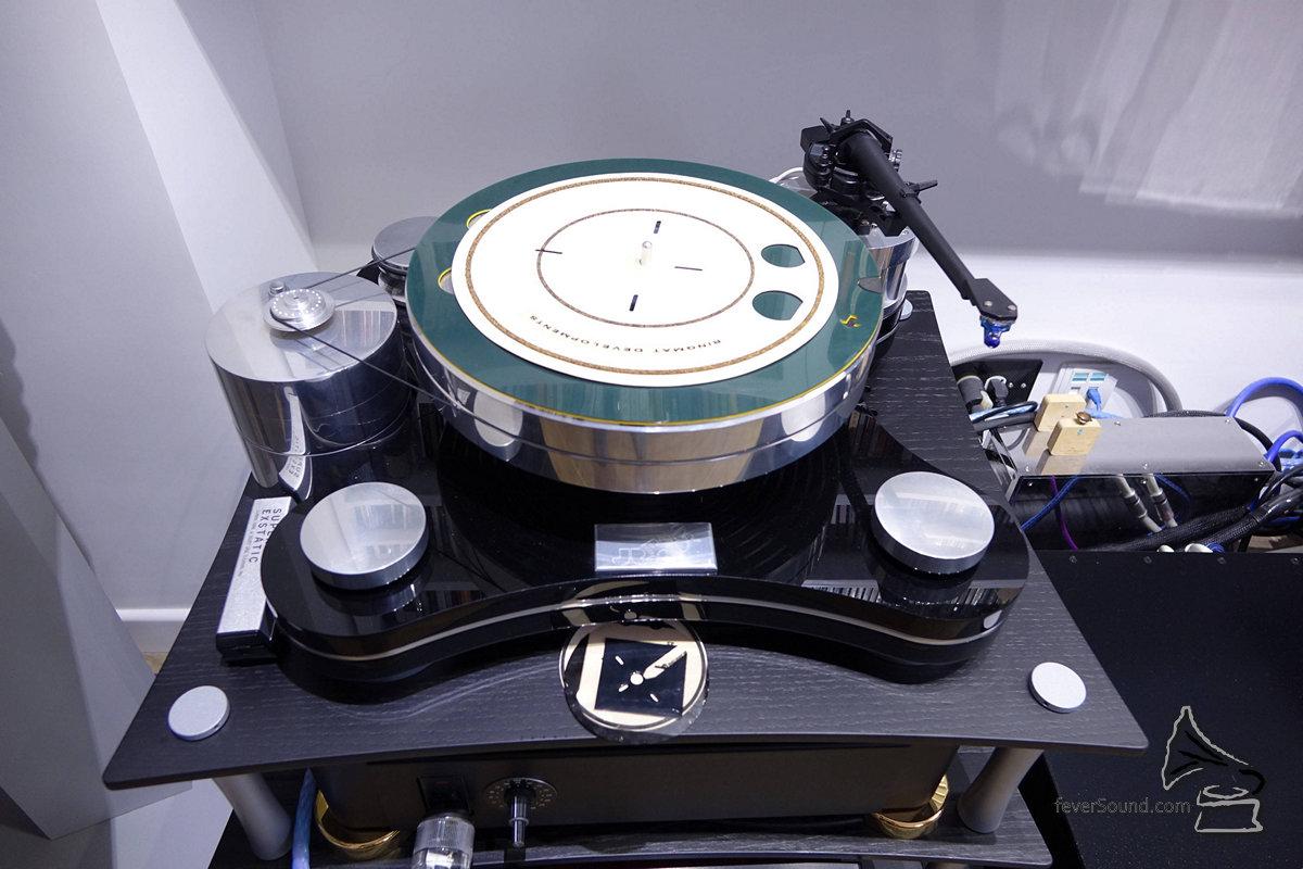 盤臂頭「暫時」不變,都是Transrotor+SME+ZYX的配搭。