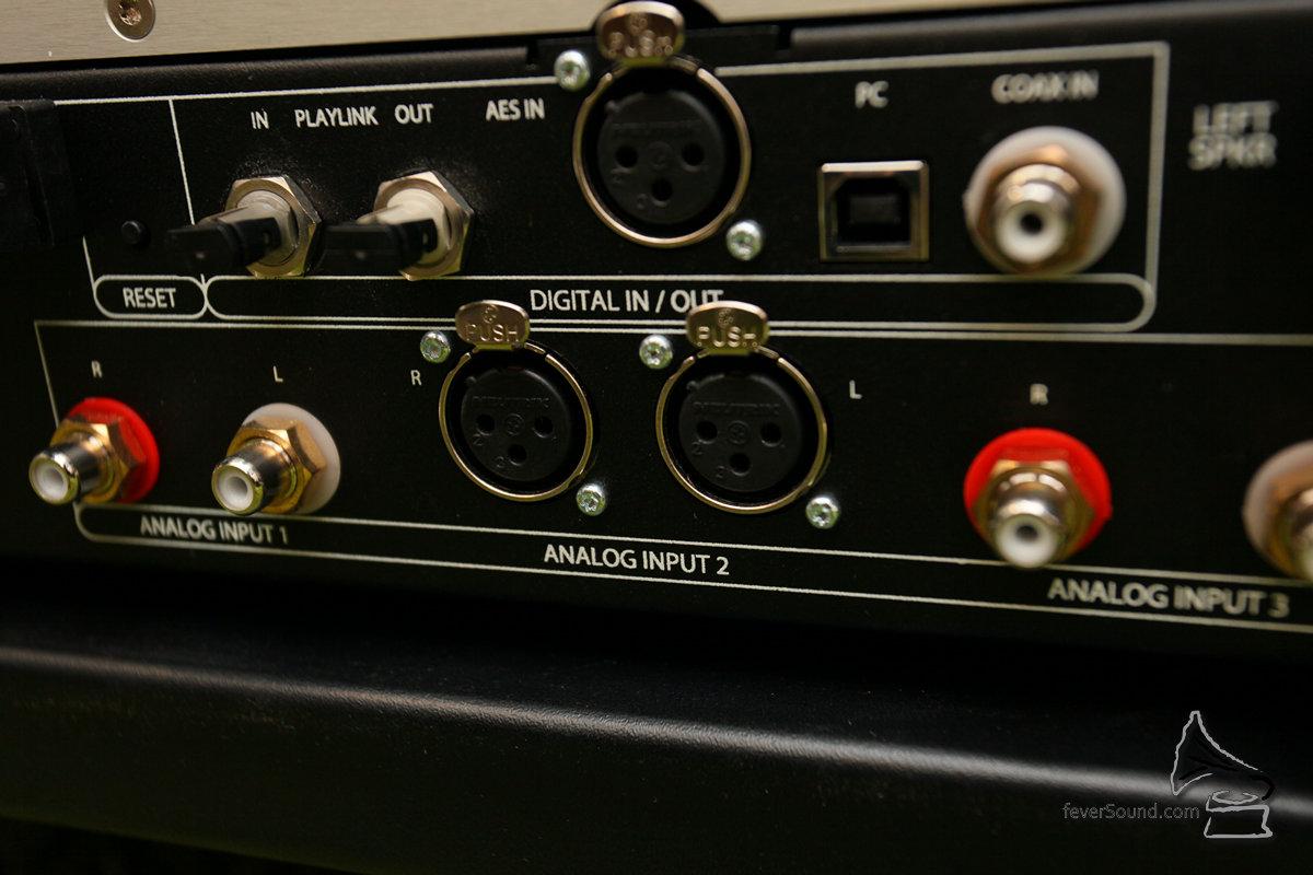 IPS-3亦備有兩組立體聲RCA模擬輸入以及一組立體聲XLR模擬輸入,換句話說,IPS-3除了設有四組數碼輸入之外,還有三組模擬輸入,可供用家夾配另外的SACD機或解碼,更加連接其他模擬訊源例如黑膠唱盤等