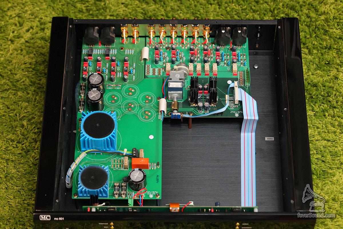 機芯圖,模擬供電分開兩組。輸出為全平衡放大設計