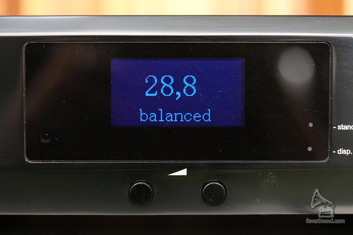 以數字顯示音量,但其實它是用模擬音量控制