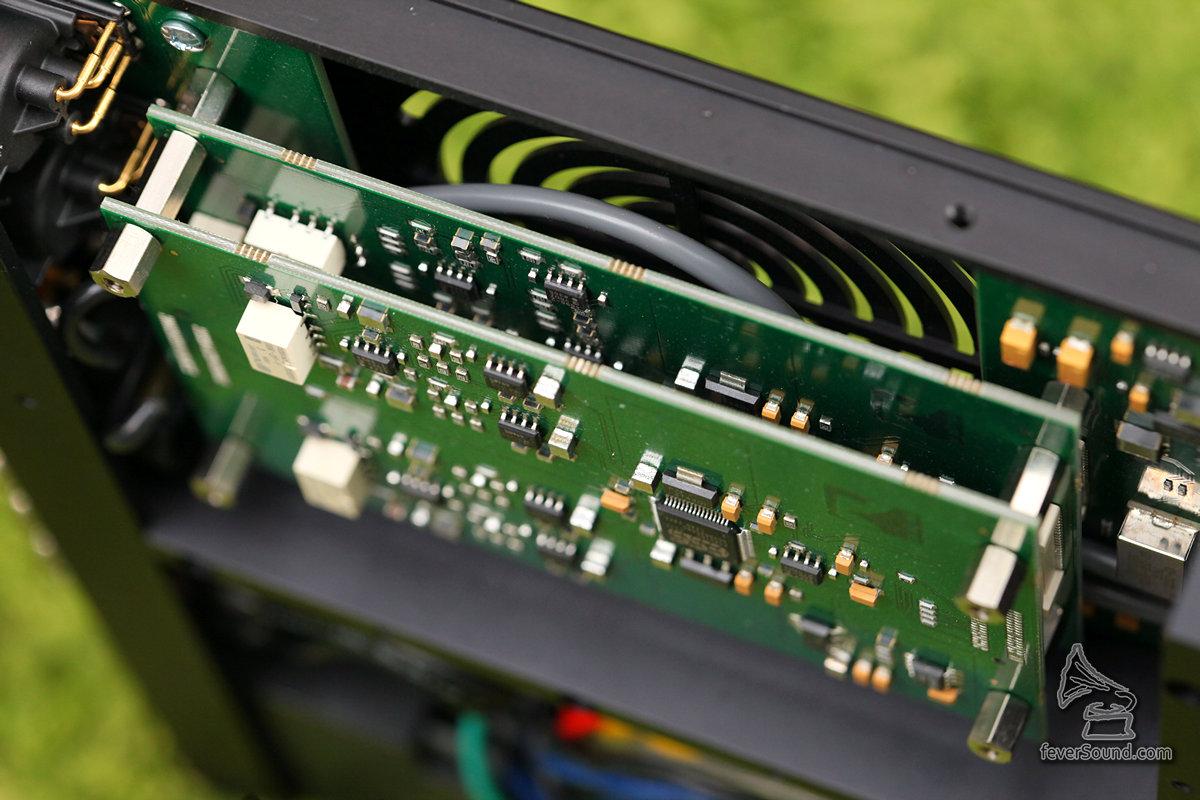 不同功能使用獨立線路板