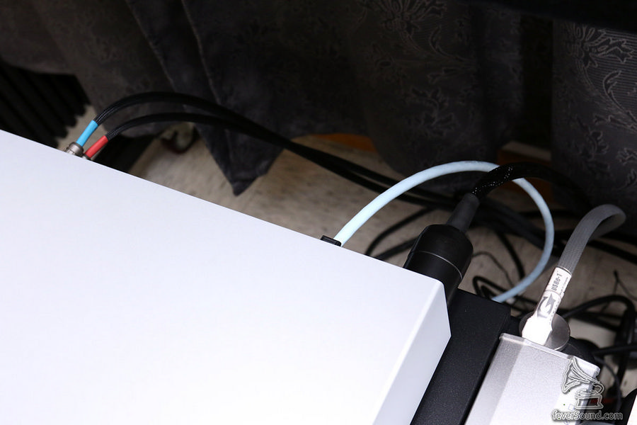 玩得串流,接線一定簡約,但卻永不簡單。
