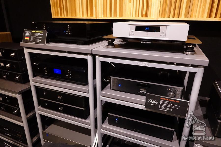 駐場還有 Linn 的串流播放機,以及 MC 各款器材