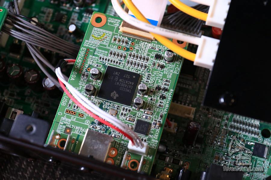 繼續使用德儀的 DSP 改為 USB 接收,OSX 原生認到 DSD256