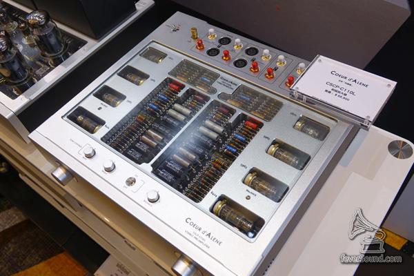 先聲音響房間中,見到來自日本 Coeur d Alene「科達倫」旗艦前級 CSCP-C110L,靚料走線工整到不得了,售價不太貴,HK$68,800!有機會要試!