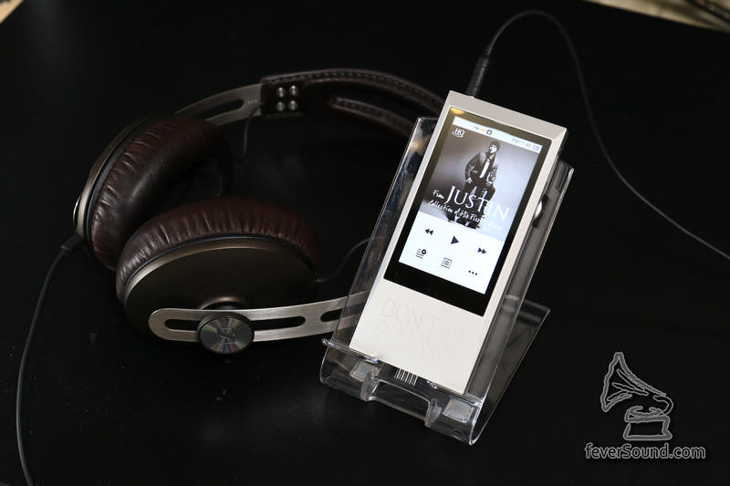AK JR 推動 Sennheiser Momentun On Ear
