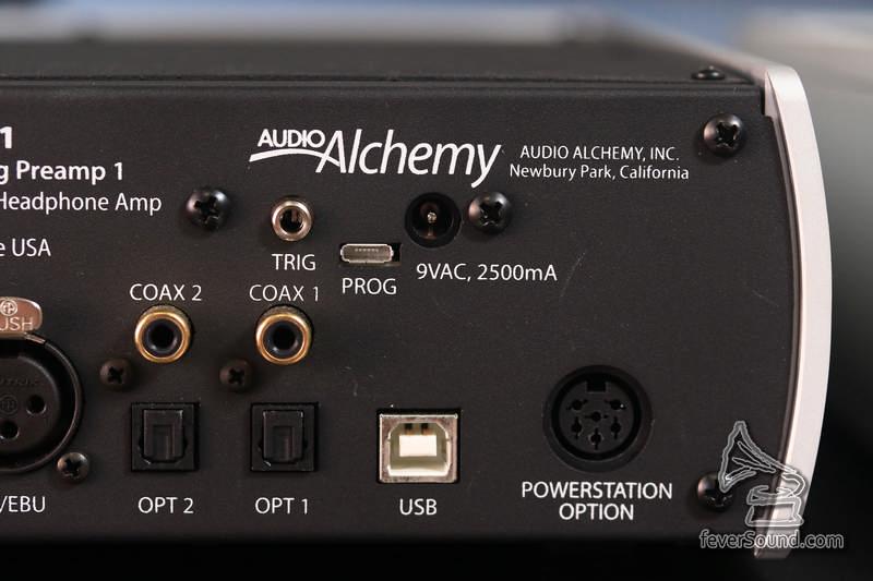 若使用跟機供電,使用AC9V 2.5A
