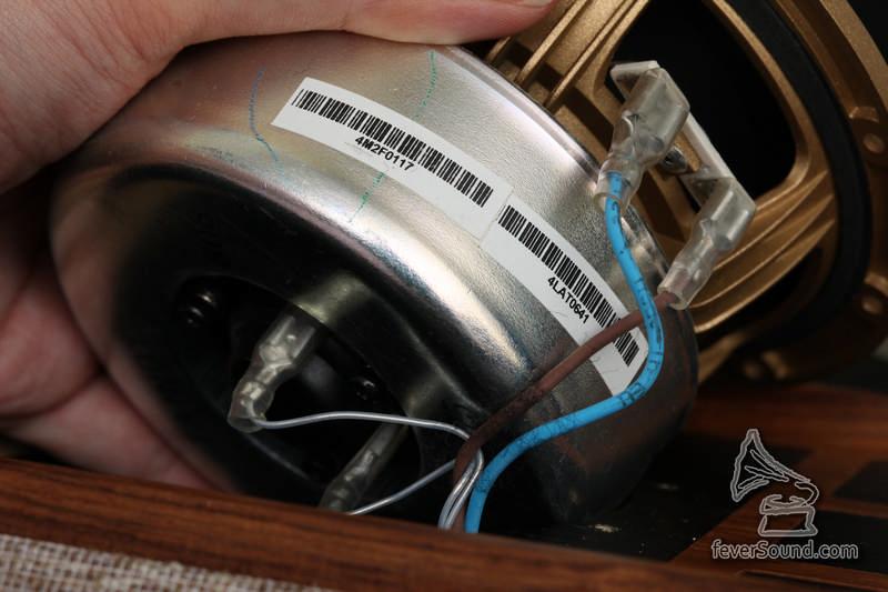 同軸單元,高音那組接線…有點像…銀線?