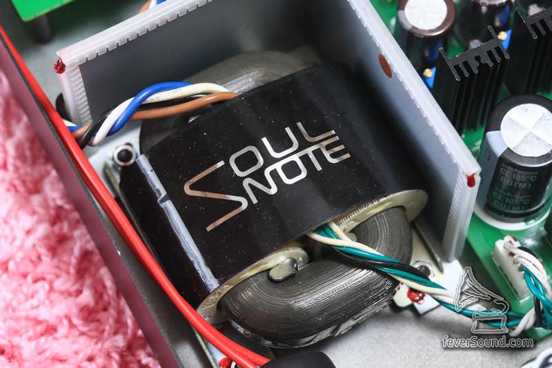 R 型變壓器,是廠方一大特色,也直接令聲音更細緻
