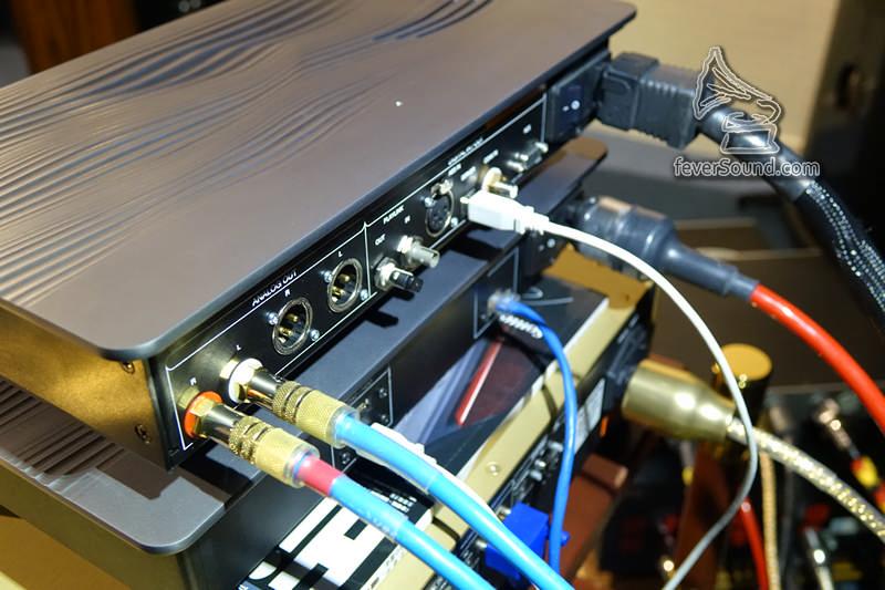 Syrah Server是一部內置JRiver、dBPoweramp,專為音響重播而設的電腦
