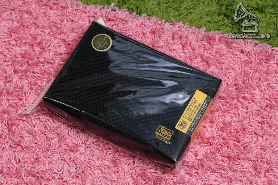 VanNuys日本人手製造,有黑色及紅色可選。低調的我當然選黑色。