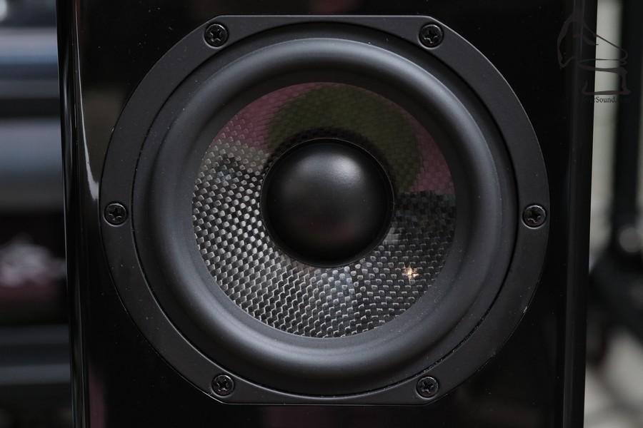 編織型震膜變形少又輕身,聲音高速,可追貼氣動高音的聲音