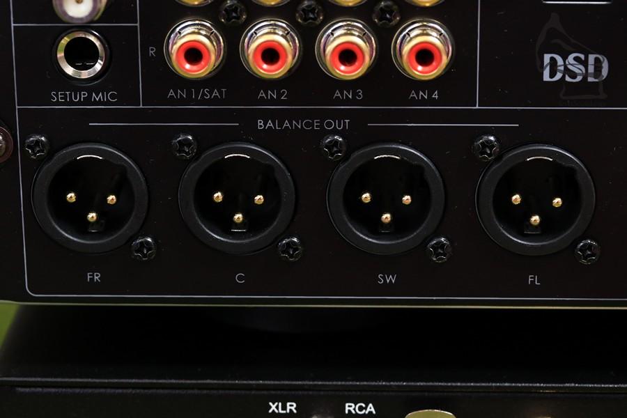 留意只有LCR及超低音備有XLR輸出,其餘聲道皆為RCA輸出