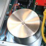 對於非常敏感的微細音頻線路,電源使用了鎳鋁合金屏蔽處理。