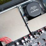 轉盤上及電源部份上方使用了3mm非磁性不鏽鋼板,作屏蔽作用