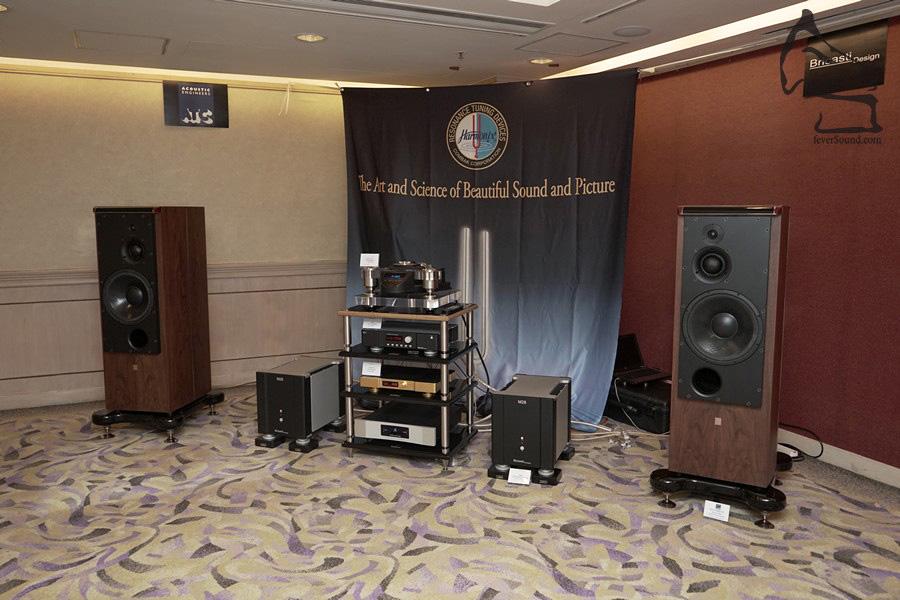 Sound Concepts有兩個展房,這間示範巨型英國ATC,夾配美國Bricasti Design的全套西裝