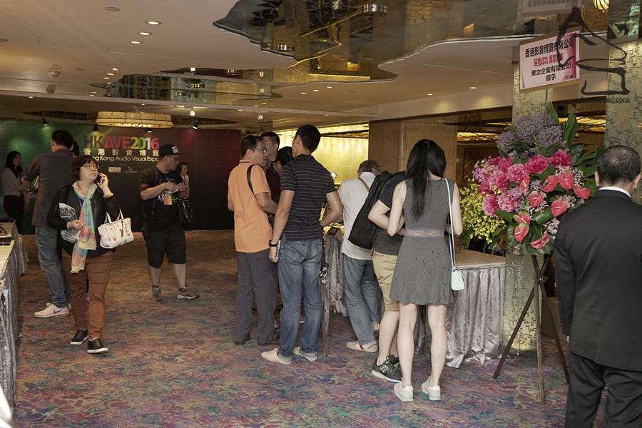 參觀展覽的人士,除了忠實發燒友之外,尚有不少是玩耳機一族或音響新手,在會場中尋寶