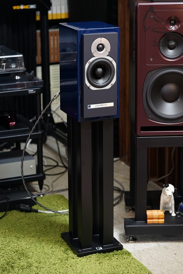 夾配Foundation Designer II,加強低頻質感,天作之合