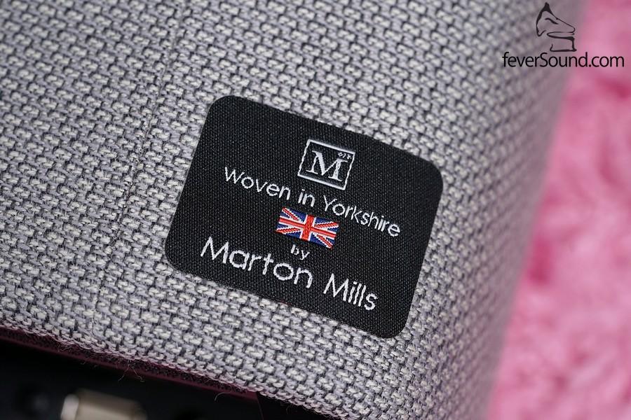英國Marton Mills為Yoyo提供精紡羊毛布套