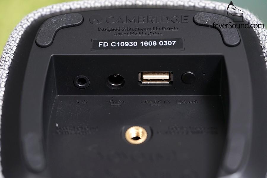 左起:3.5mm mini jack輸入,充電DC頭,USB充電位(Yoyo可當作手機或DAP充電器!),以及Reset掣