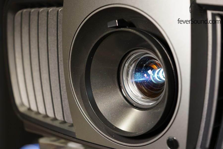 高質素鏡頭,能在變焦時不改變焦距