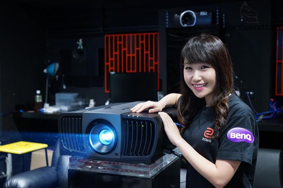 BenQ W11000零售價:HK$46,800