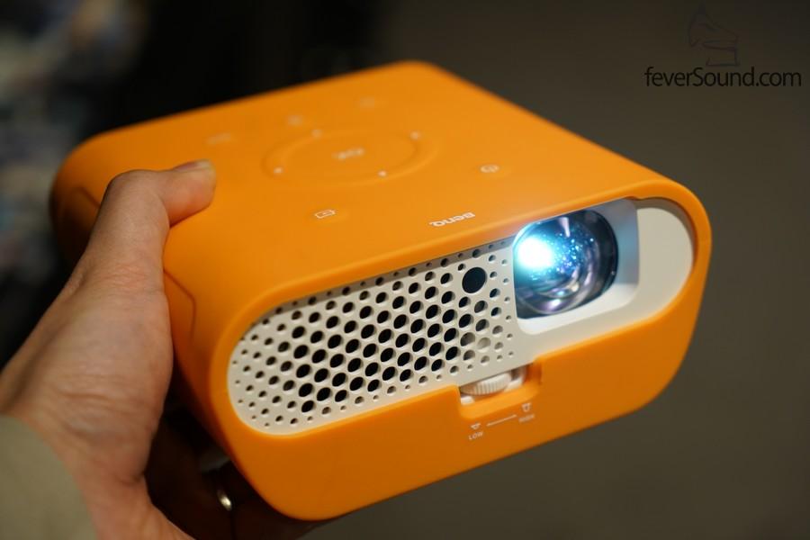 配備橙色塑料保護罩,BenQ GS1零售價:HK$4,680
