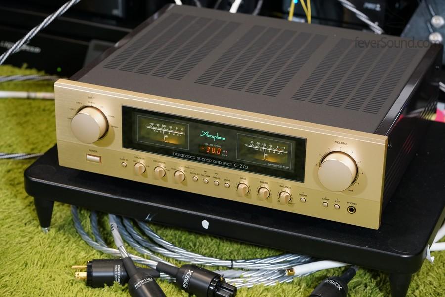 Accuphase E-270 是廠方去年底才新推出的合併擴音機