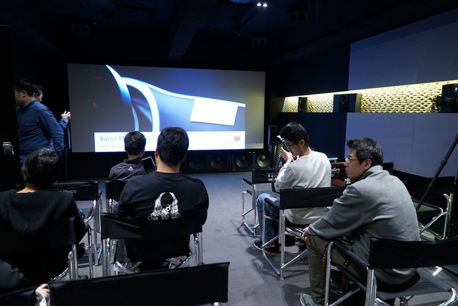 現場使用了170吋Visione最新4k透聲幕料