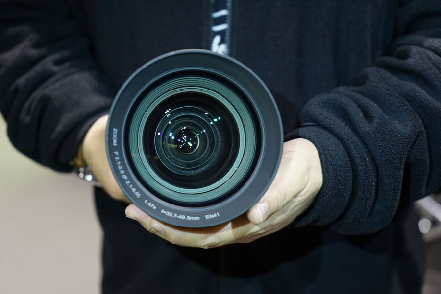 可拆式鏡頭,相當重型!