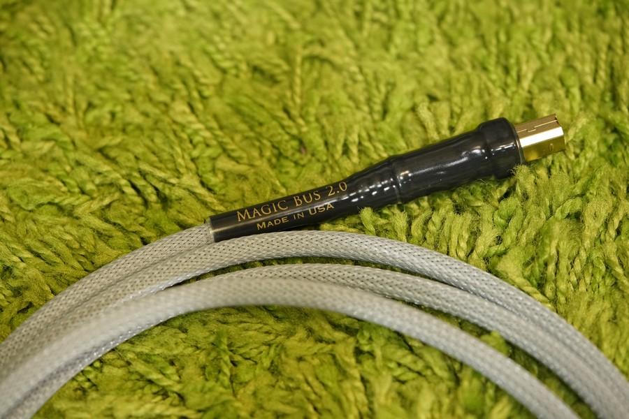 USB 線以鍍金插製造