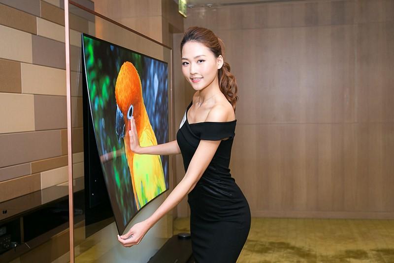 LG展示Signature系列,厚度僅3.85mm的OLED電視