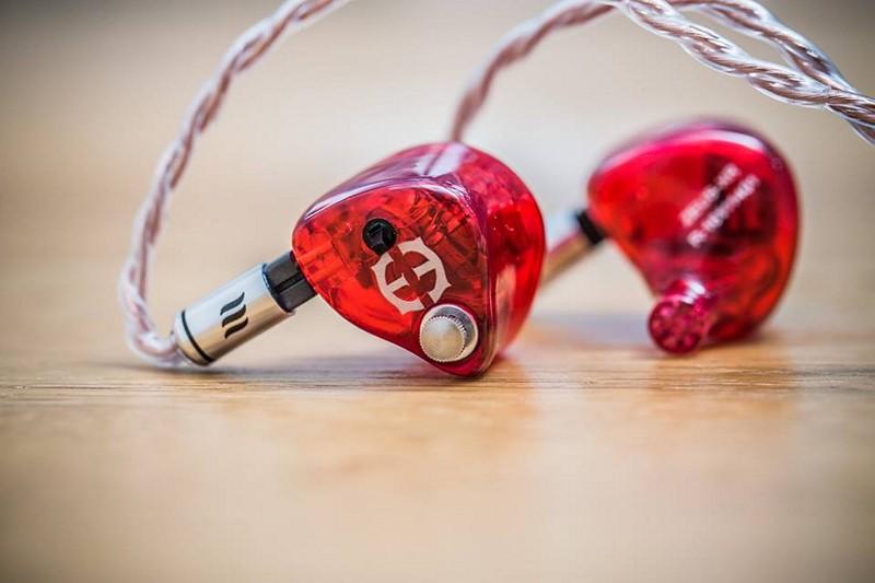 T8:Empire Ears各款旗艦耳機現場夾配Effect Audio度身訂造線材,有優惠