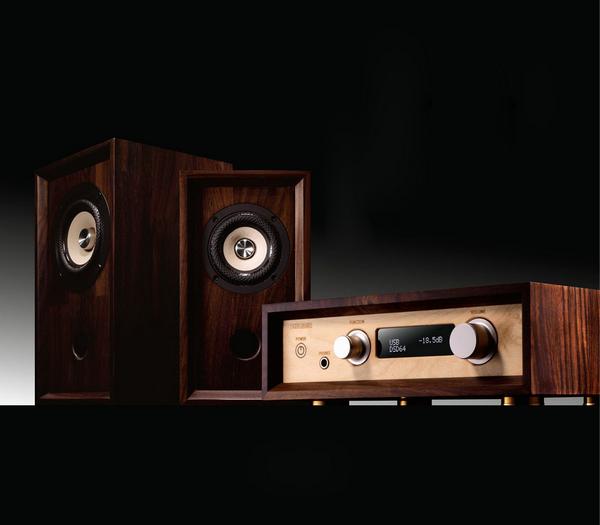 台灣德川一體化系統現場示範,4吋全音域揚聲器($4,950)、解碼擴音機($4,600)、新作無線超低音 (富豪2C SNM)