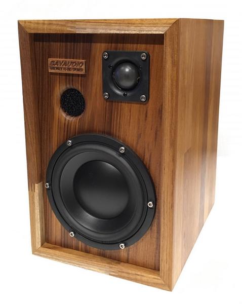 台灣Savaudio Stilton台灣全人手製造,使用柚木原木拼板箱體的二路書架揚聲器