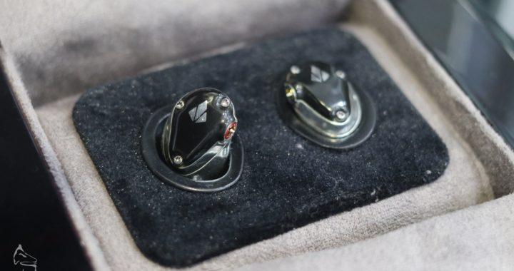美國製+3 層金屬外殼+3 類 4 混合單元  SPEAR Labs Triton 1 香港發佈